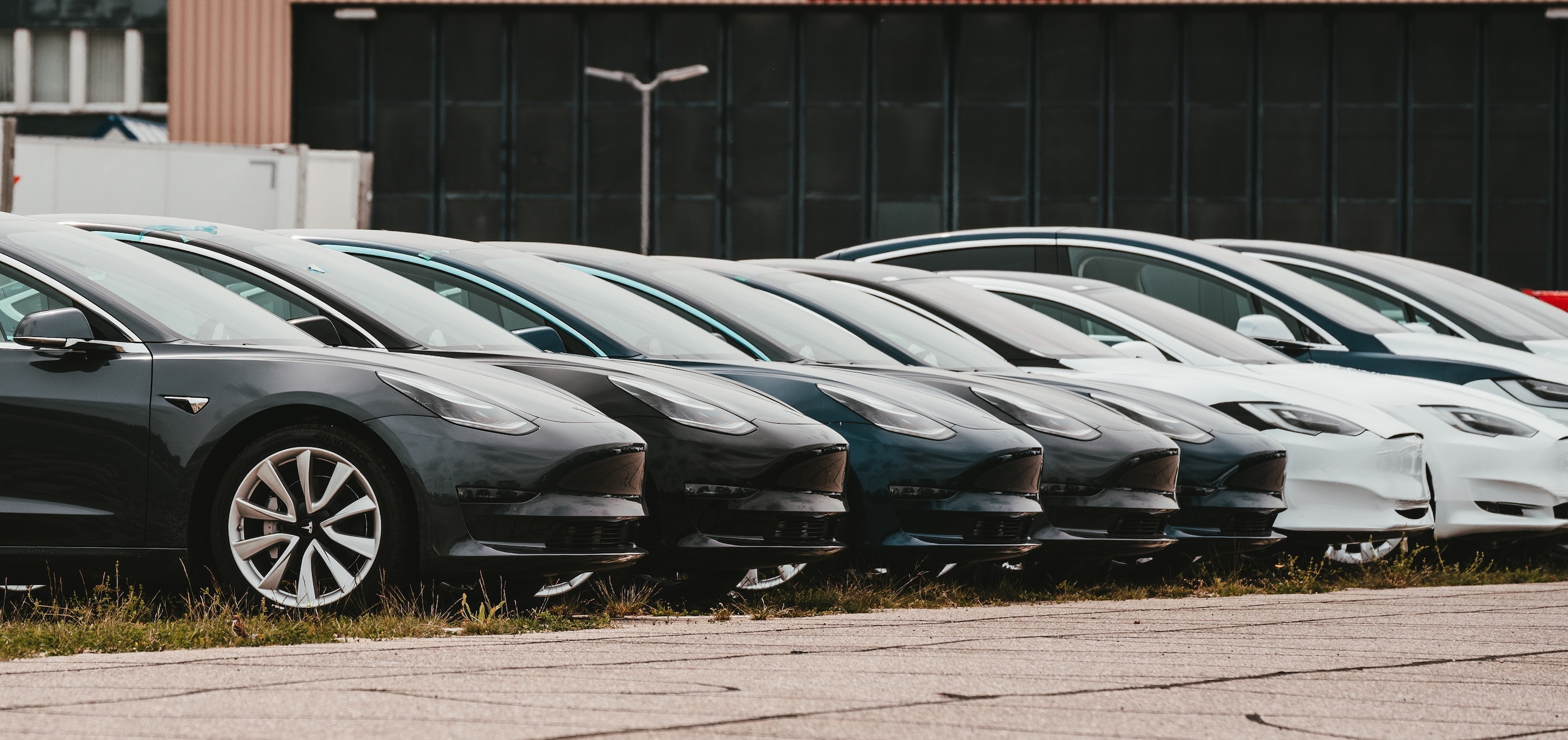 How digital marketing can help a car dealership increase customer sales